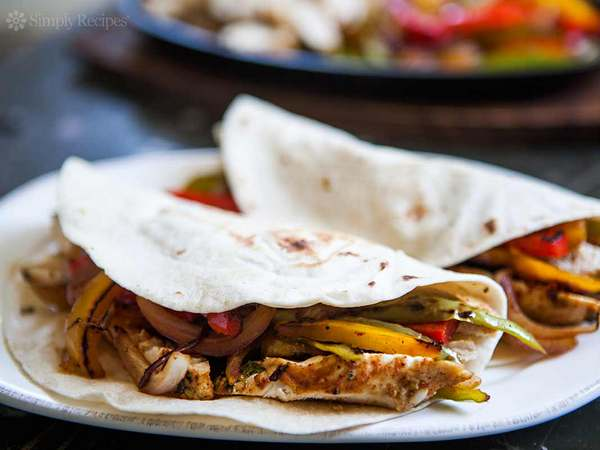 chicken-fajitas-horiz-b-1200cr